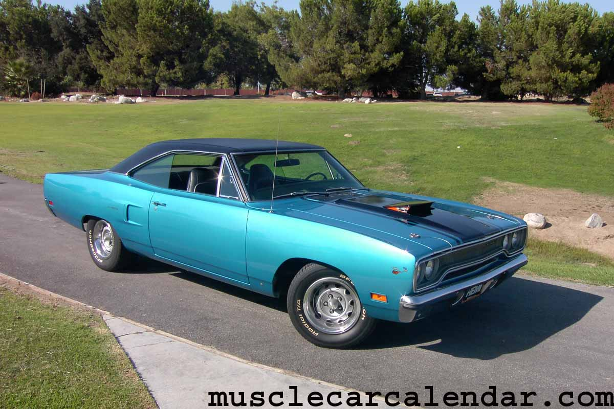 Best muscle car pictures on the world of a 1970 Plymouth Hemi