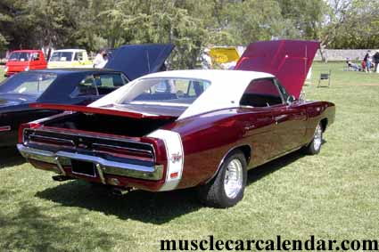 Awesome Muscle Car Pictures 1969 R T Charger 440 With Candy Apple